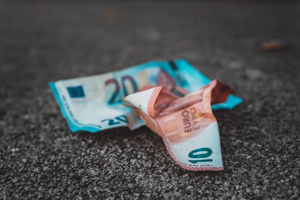 pekne-byvat-Byvanie-finance-peniaze