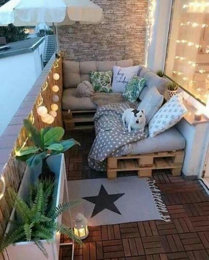 pekne-byvat-balkon-svetielka