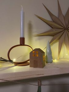 papierovy-domcek-dekoracia-DIY-navod-sablonka-poskladany